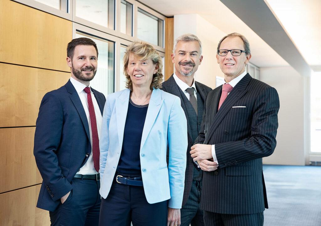 Geschäftsleitung der NEUE BANK AG (von links nach rechts): Dr. Reinhard Malin (Bereich Recht / Risikocontrolling und Compliance), Claudia Jehle-Ospelt (Bereich Finanzen und Verarbeitung), Pietro Leone, Vorsitzender der Geschäftsleitung (Bereich Anlagen und Kredite), Thomas Hemmerle (Bereich Kunden und Handel)